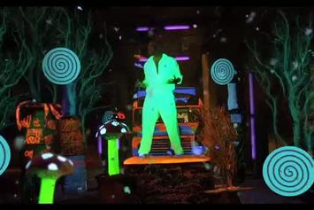 """New Boyz Feat. Chris Brown """"Better With The Lights Off"""" Video"""