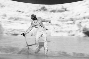 """Kanye West Vents His Frustrations w/ Media & The Fashion Industry During """"Yeezus"""" Tour Performance"""