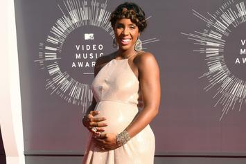 Pregnant Kelly Rowland Poses Nude For Elle
