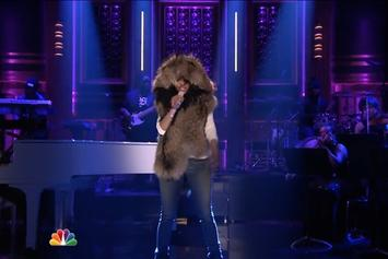 "Nicki Minaj & Skylar Grey Perform ""Bed Of Lies"" Live On Jimmy Fallon"