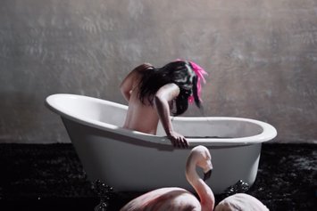 """K. Michelle """"Hard To Do"""" Video"""