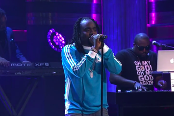 """Wale Performs """"My P.Y.T"""" On Jimmy Fallon"""