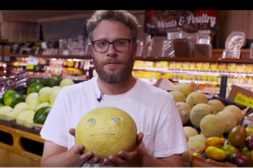 """Seth Rogen Pranks Unsuspecting Grocery Shoppers In Promotion Of  """"Sausage Party"""""""