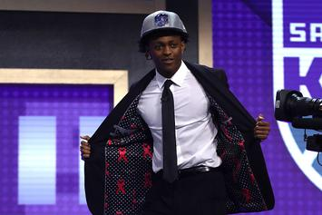 "De'Aaron Fox Defends Lonzo Ball, Jokes His Twitter Was ""Hacked"""