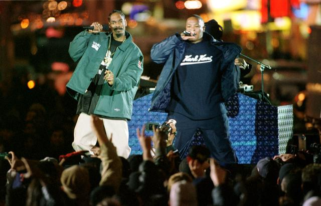 Snoop Dogg and Dr. Dre performing live