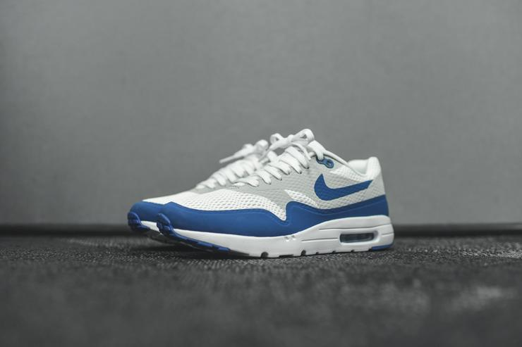 "Air Max 1 Ultra Essential in ""Varsity Blue"""