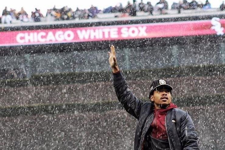 Chance the Rapper throws out the first pitch at a Chicago White Sox game.