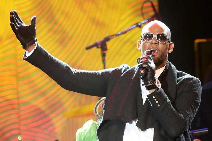 R. Kelly The 56th Annual GRAMMY Awards - Pre-GRAMMY Gala And Salute To Industry Icons Honoring Lucian Grainge - Show