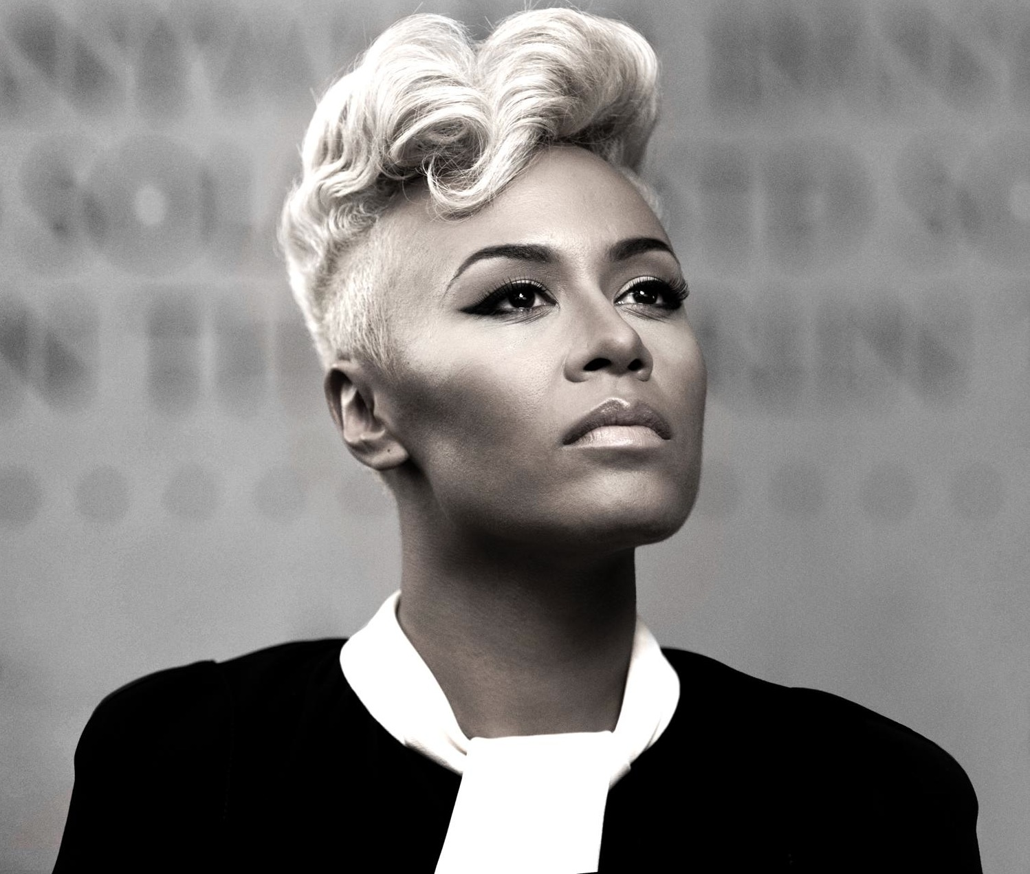 Emeli SandÈ earned a  million dollar salary - leaving the net worth at 8 million in 2018